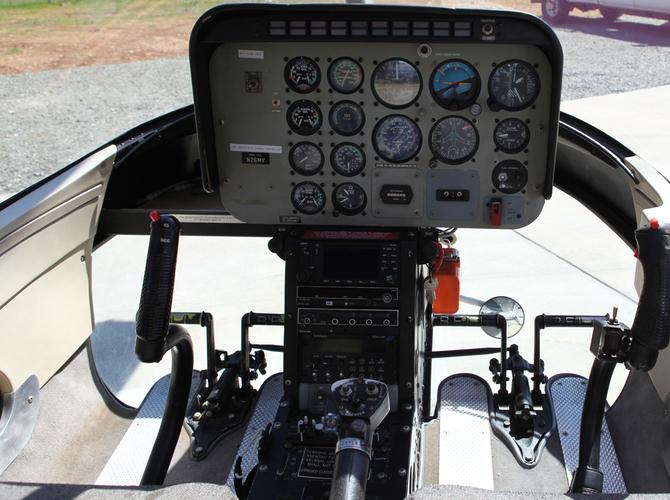 11 - Cockpit