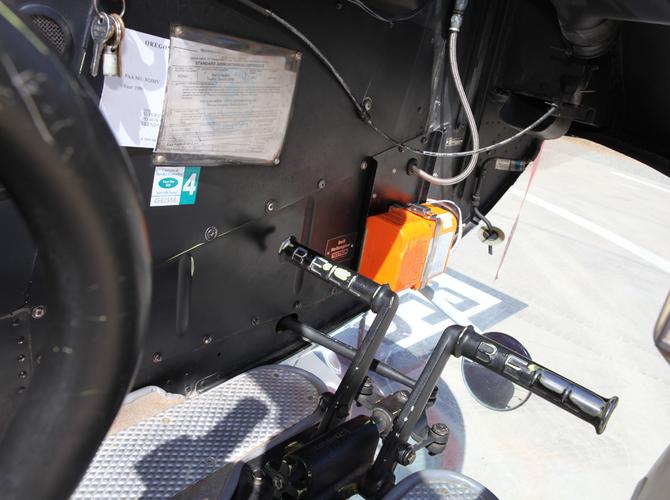 12 - Cockpit